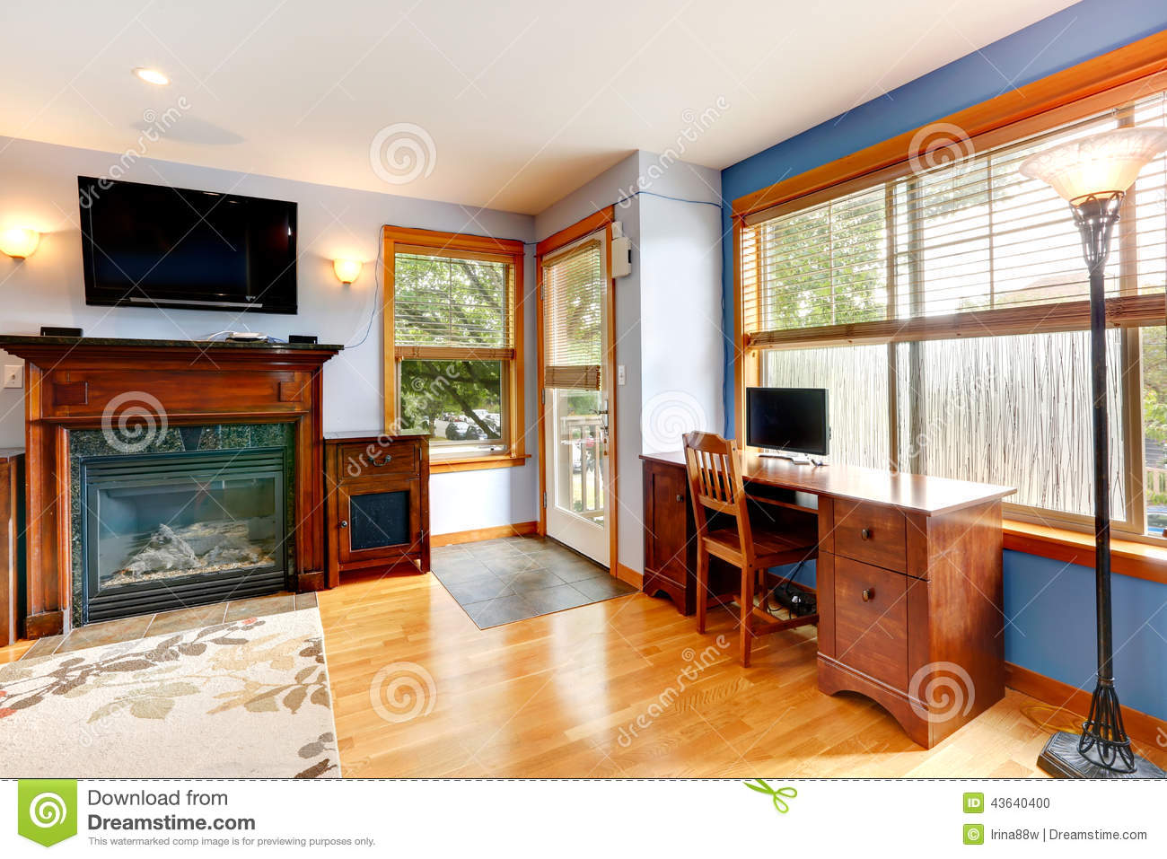 Living Room With Office Area Stock Photo - Image: 43640400