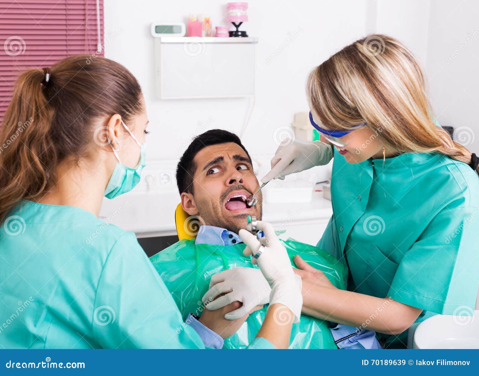 Livrädd klient i tand- klinik
