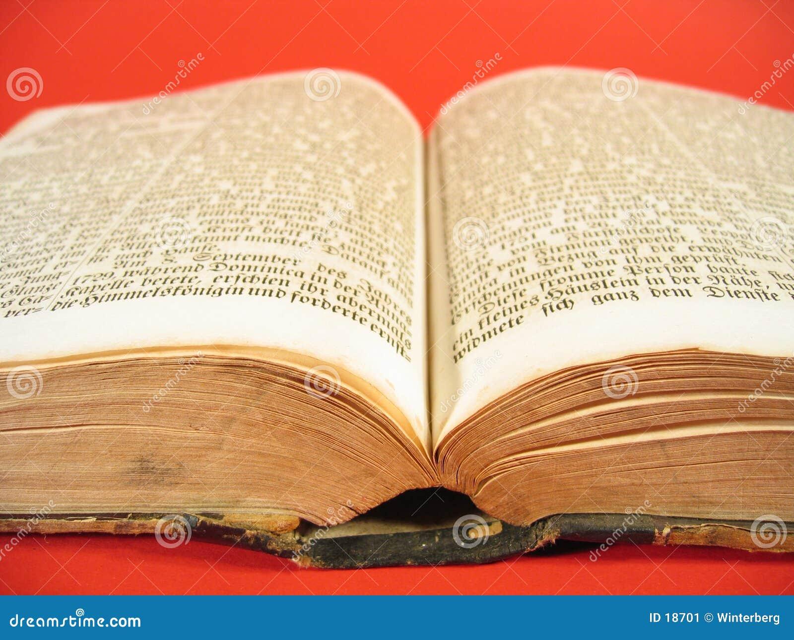 Livre antique IV
