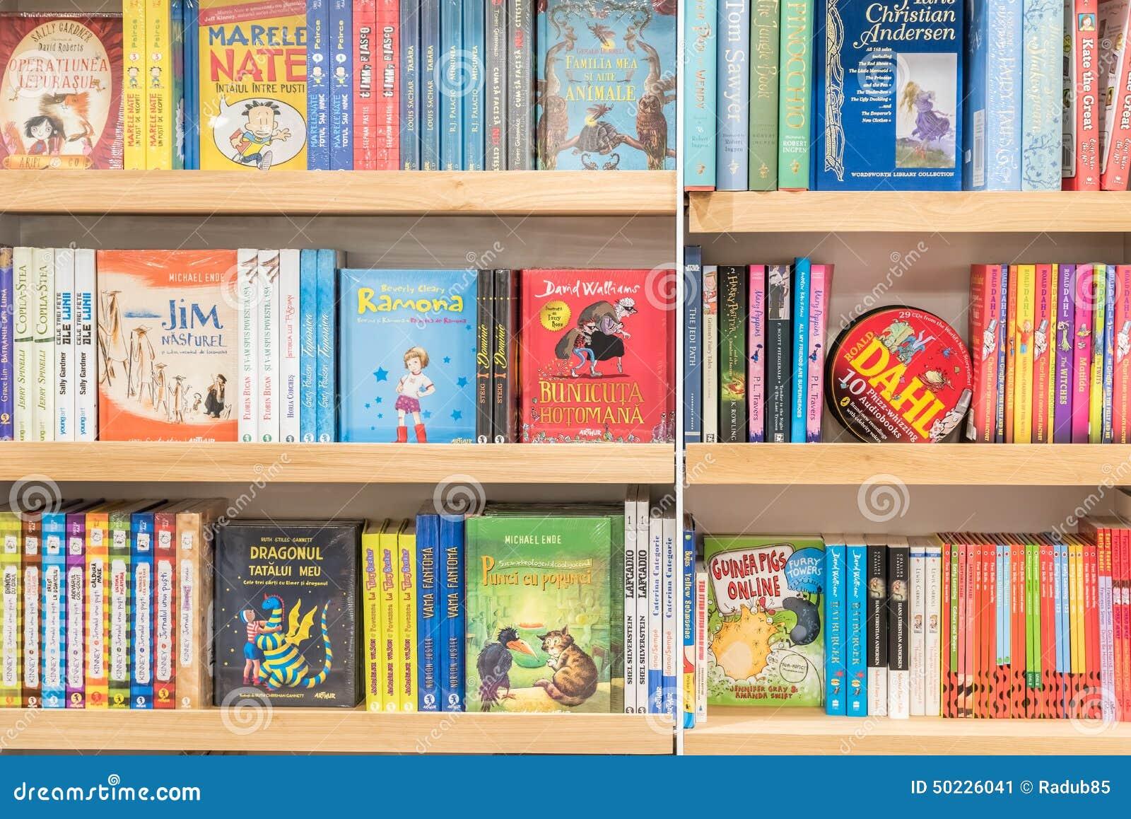 livres d 39 enfants vendre dans la biblioth que photo ditorial image 50226041. Black Bedroom Furniture Sets. Home Design Ideas