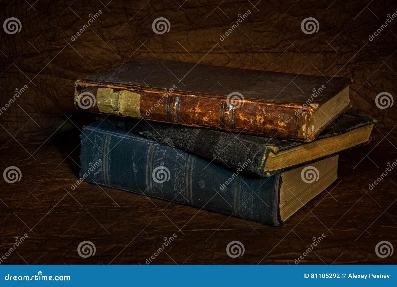 Livro antigo velho