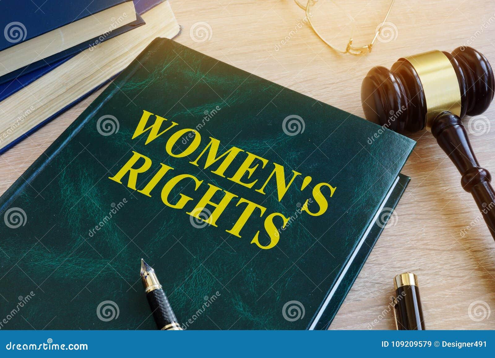 Livro com direitos do ` s das mulheres do nome Conceito da igualdade de gênero