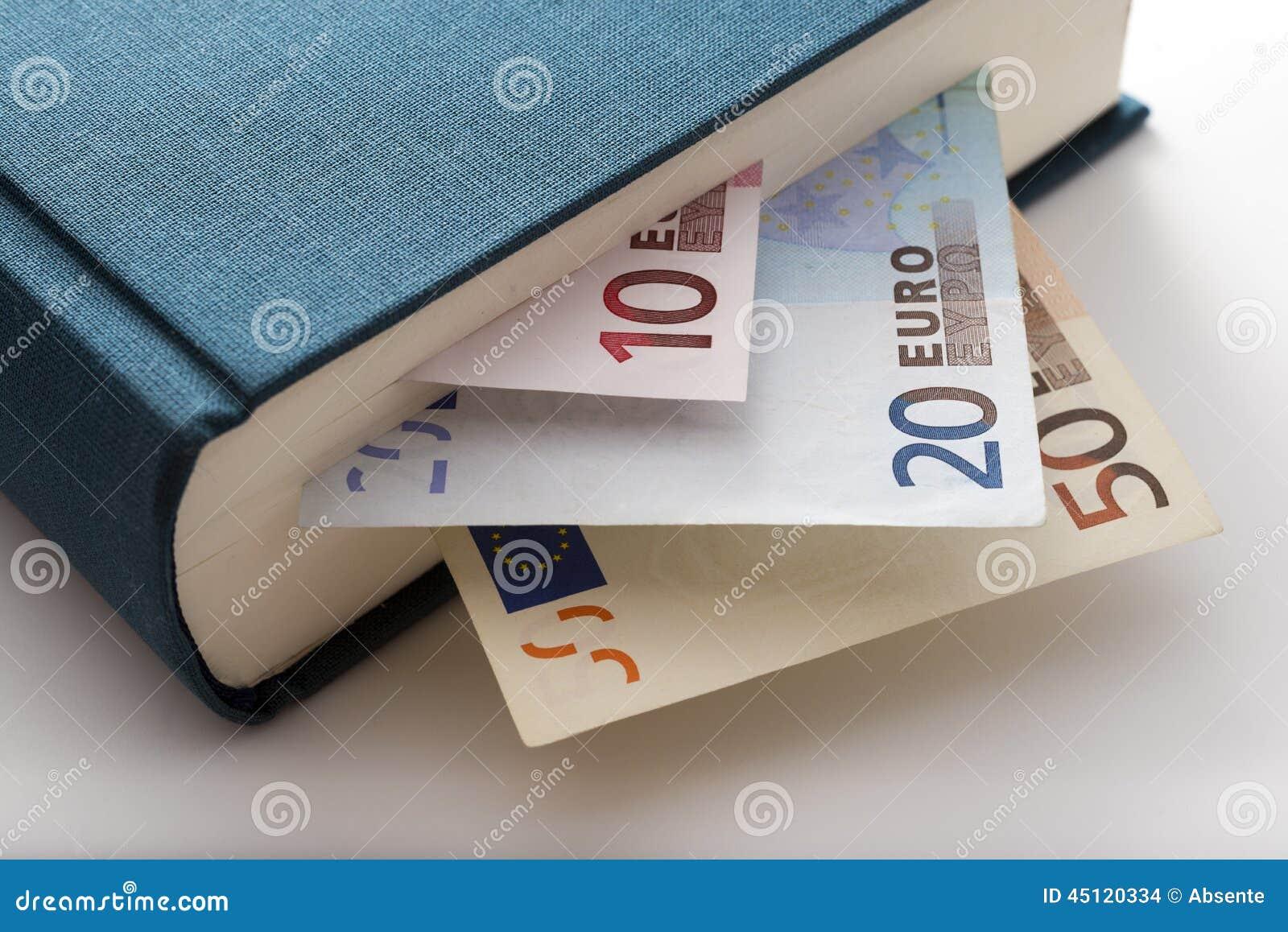 Livro e dinheiro