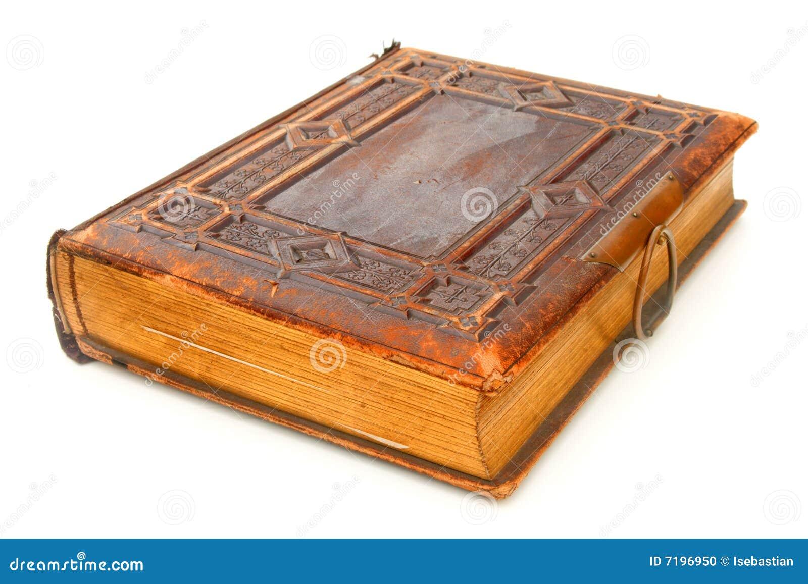 Livro encadernado de couro velho