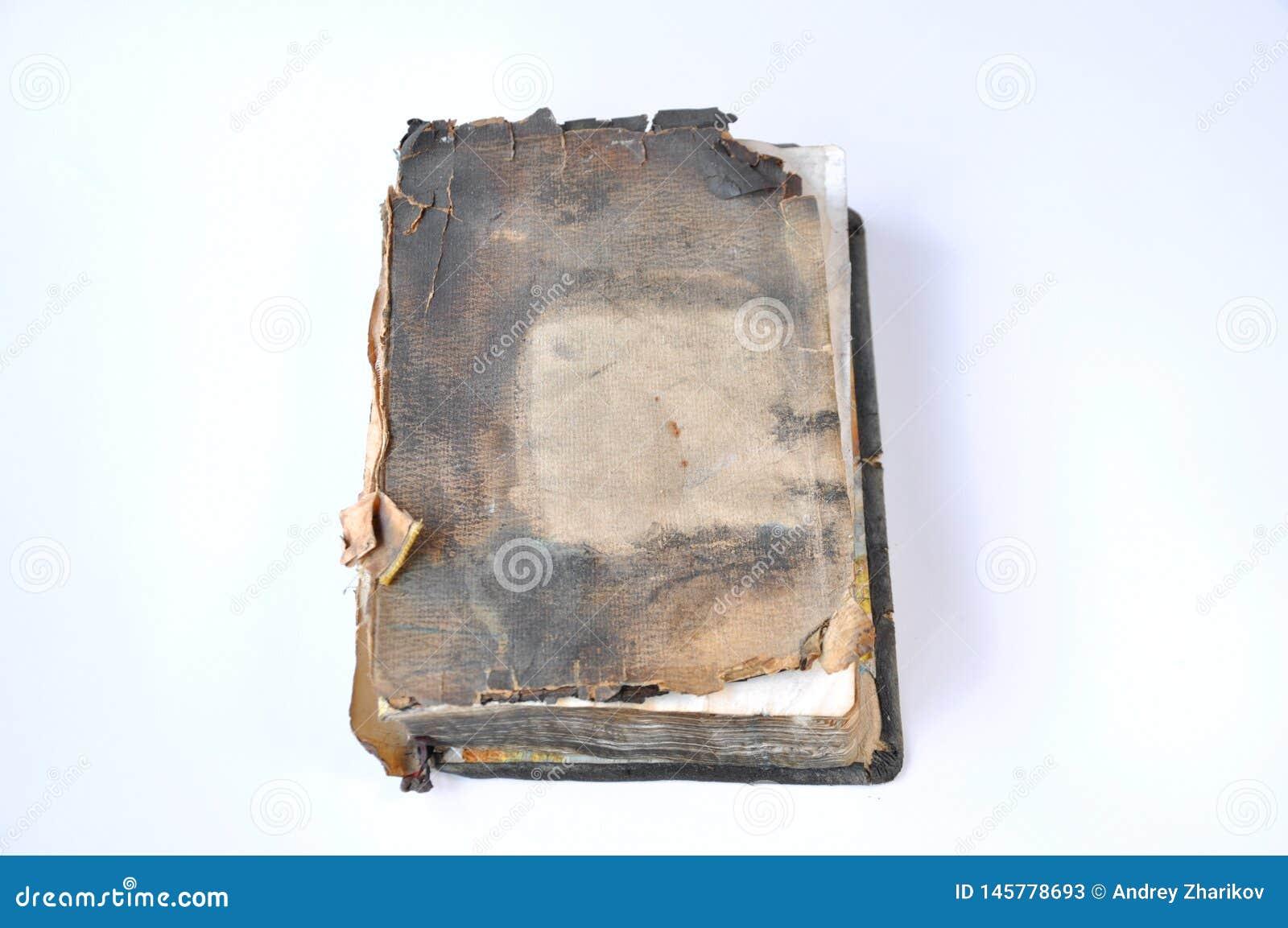 Livro queimado velho da Bíblia
