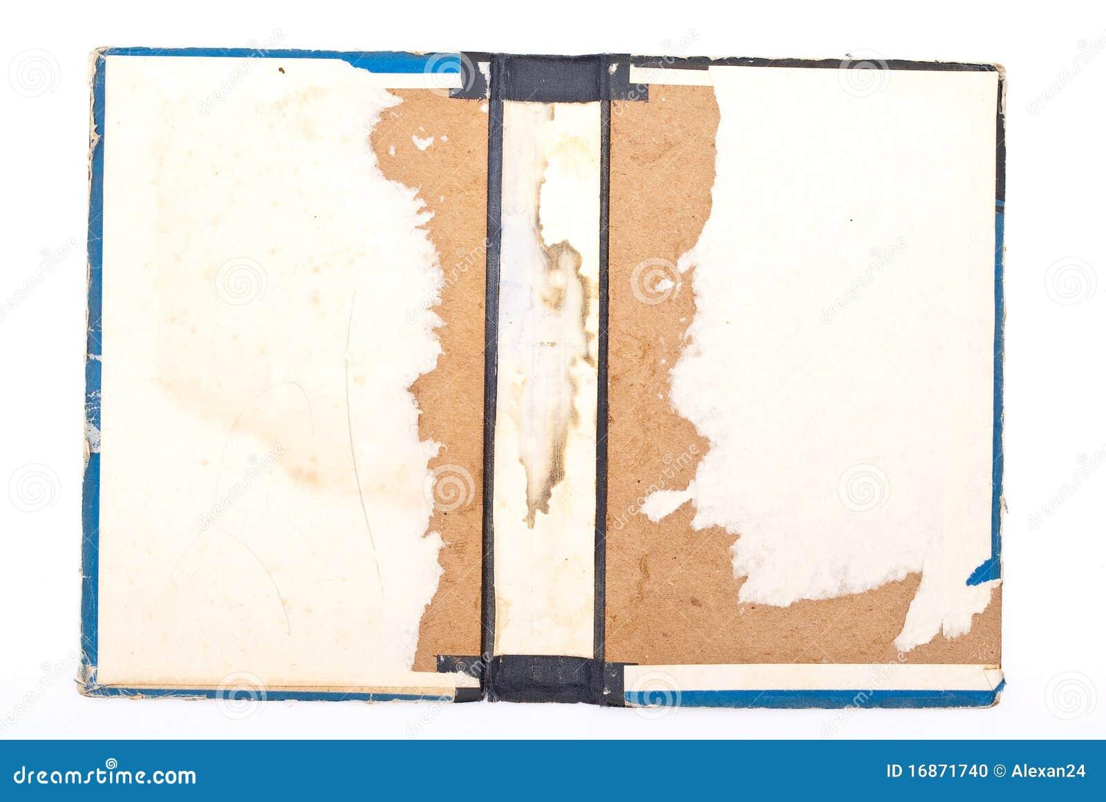 Livro rasgado antigo