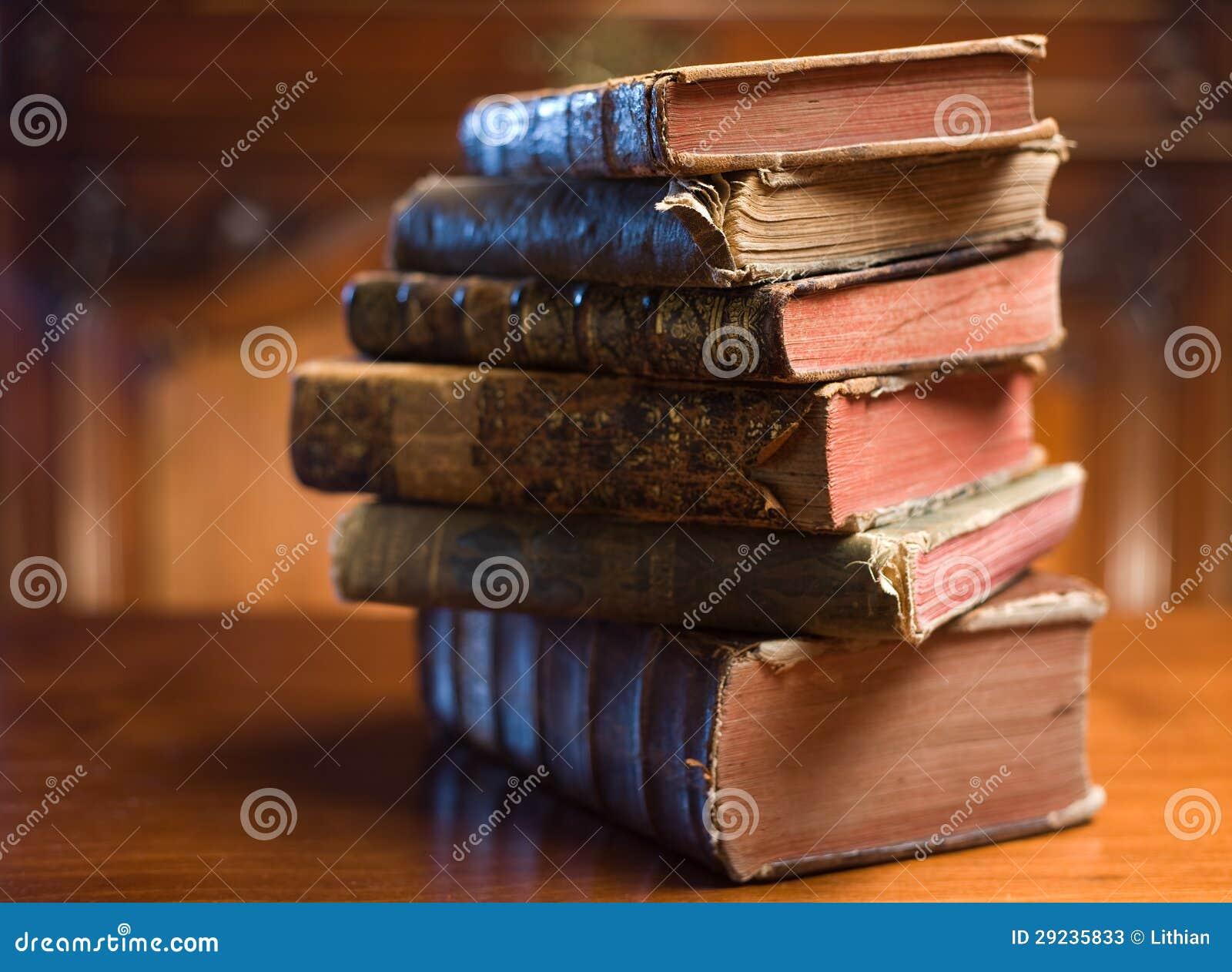 Download Livros do mistério. imagem de stock. Imagem de velho - 29235833