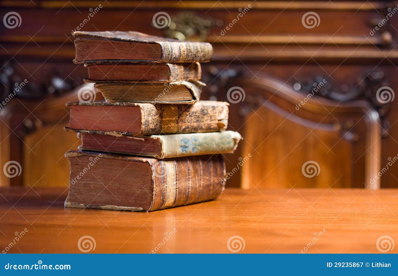 Download Livros do mistério. imagem de stock. Imagem de tampa - 29235867