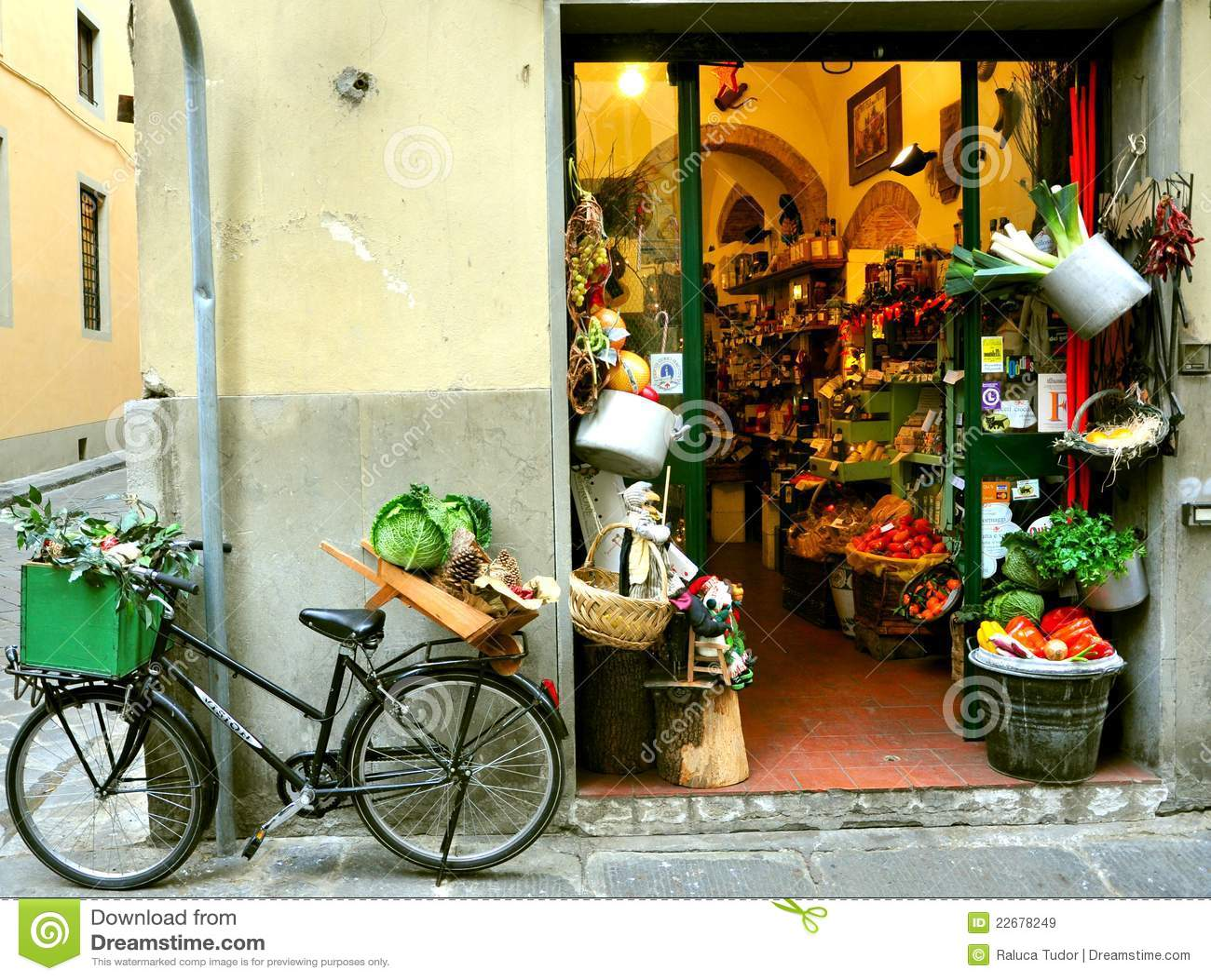 Livsmedelsbutiken italy shoppar typisk