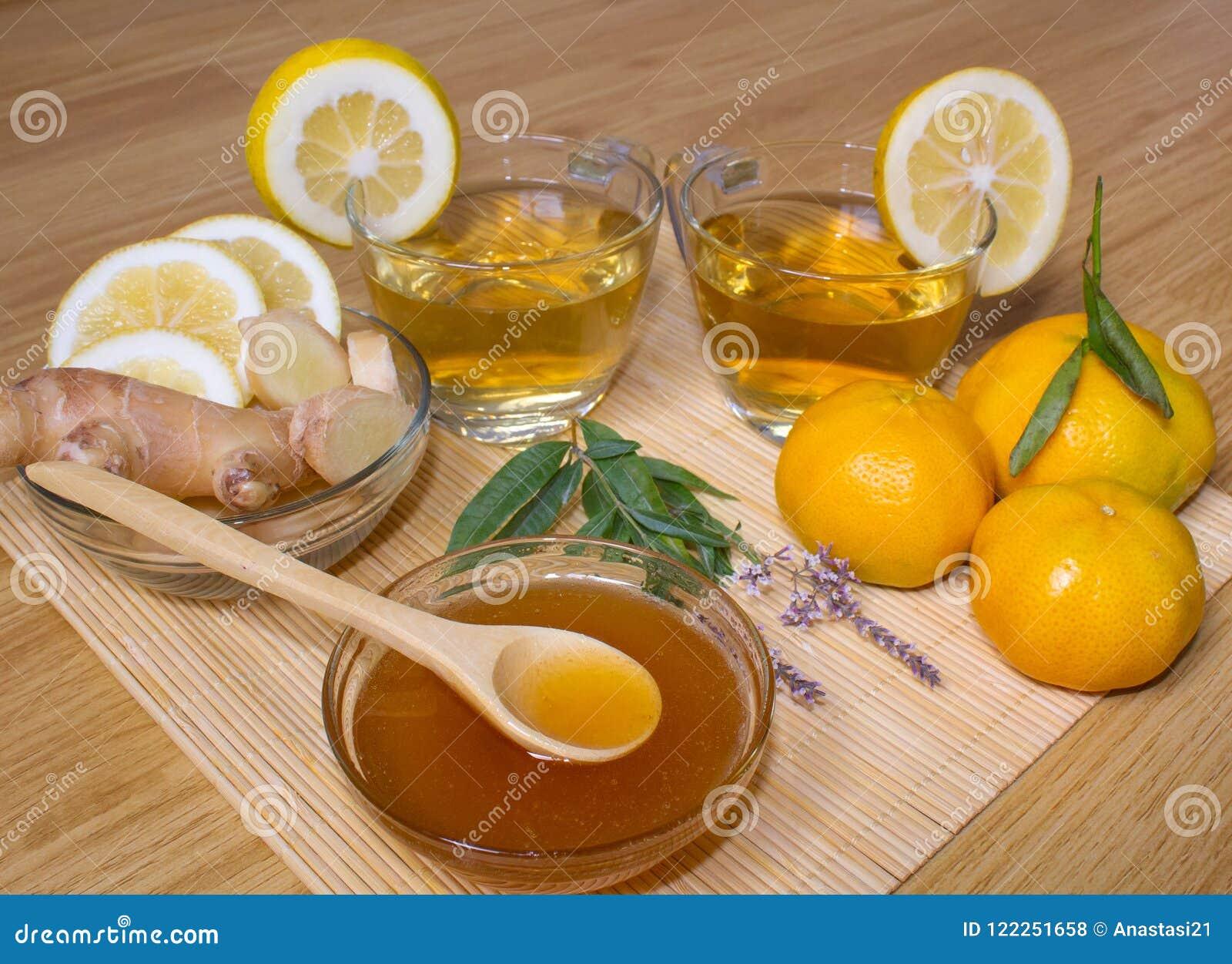 1 Livstid Fortfarande Te I Genomskinliga Koppar Honung Ingefära