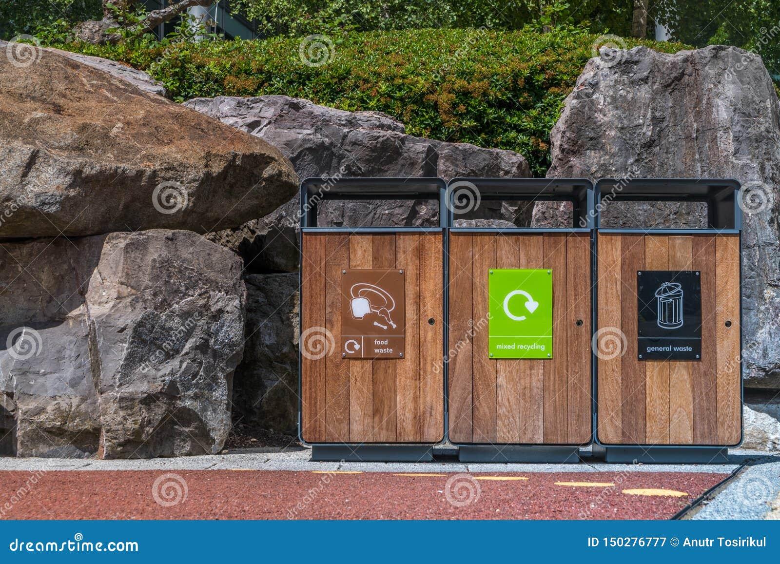 Lixo do tanque da separação para reciclar o tipo pela cor para a conveniência da classificação E armazenamento Entregado ao proce