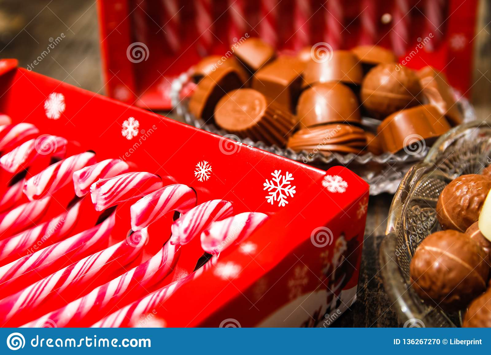 Lizaki i czekoladowi cukierki