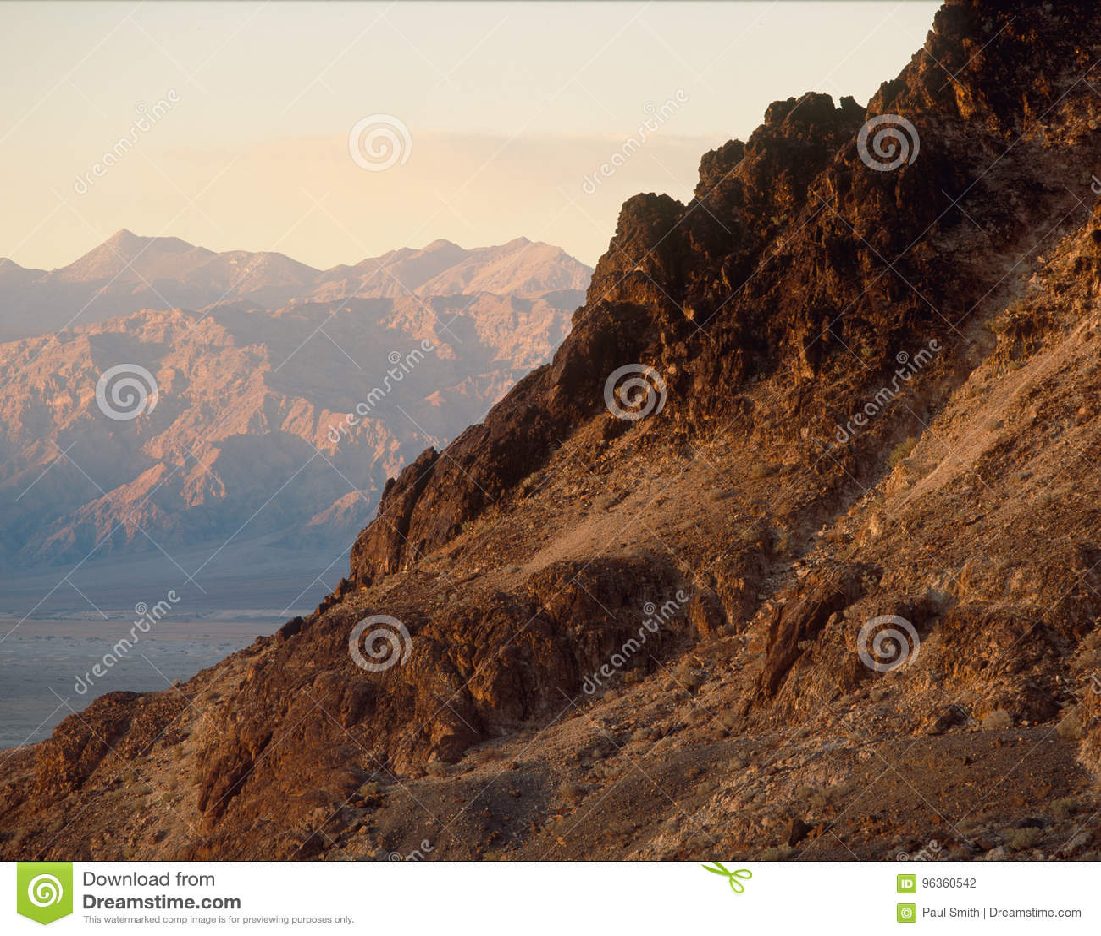 Ljus för tidig afton i den mosaiska kanjonen, Death Valley nationalpark, Kalifornien
