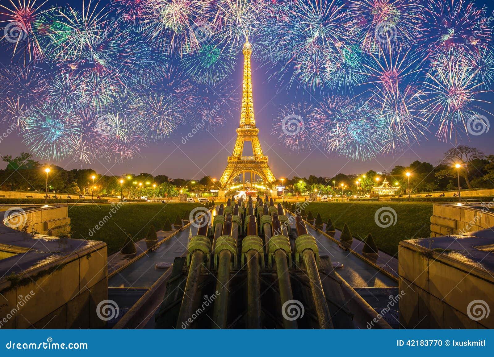 Ljus kapacitetsshow för Eiffeltorn