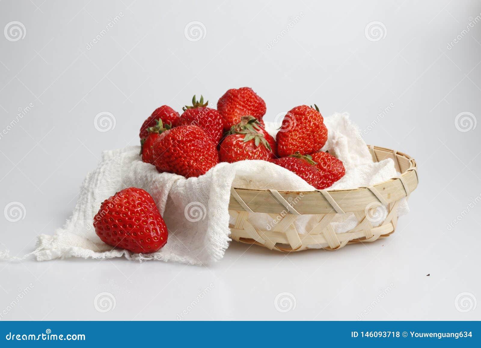 Ljus r?d jordgubbe