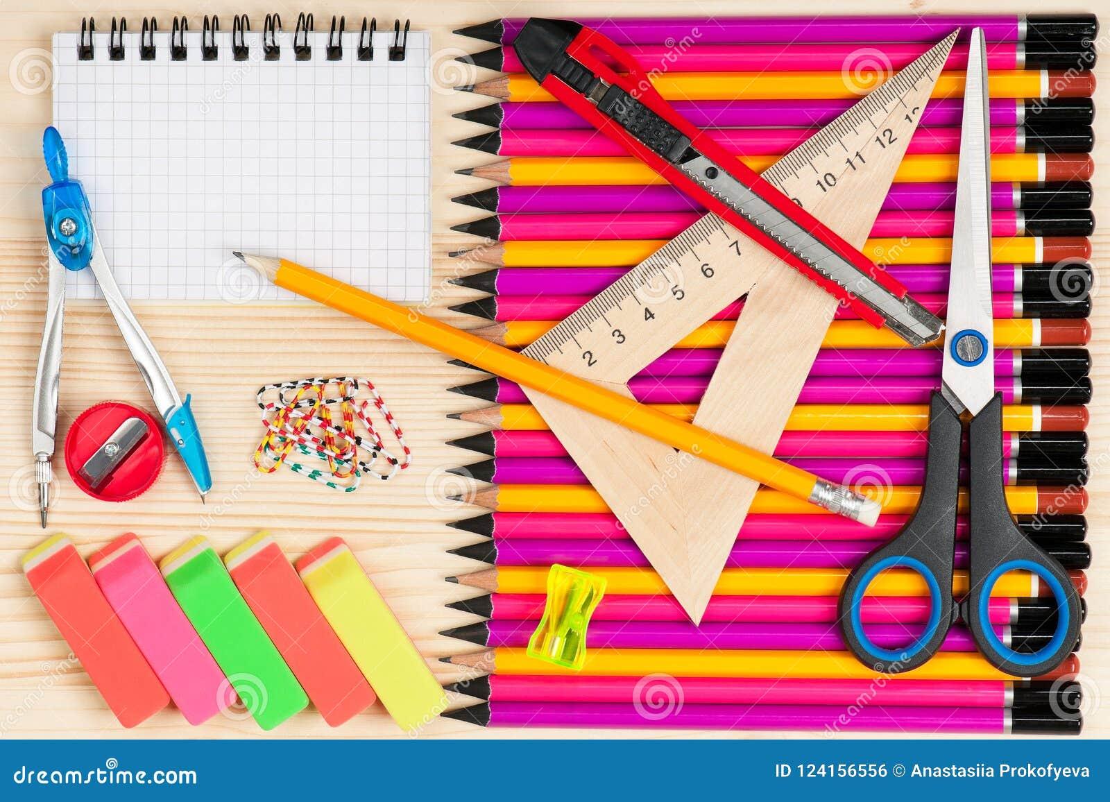 Ljusa färgrika blyertspennor