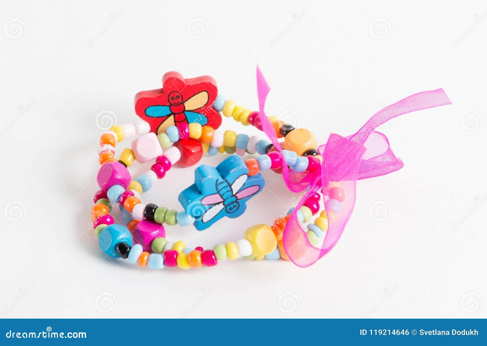 Ljust armband med fjärilar och pilbåge för liten flicka
