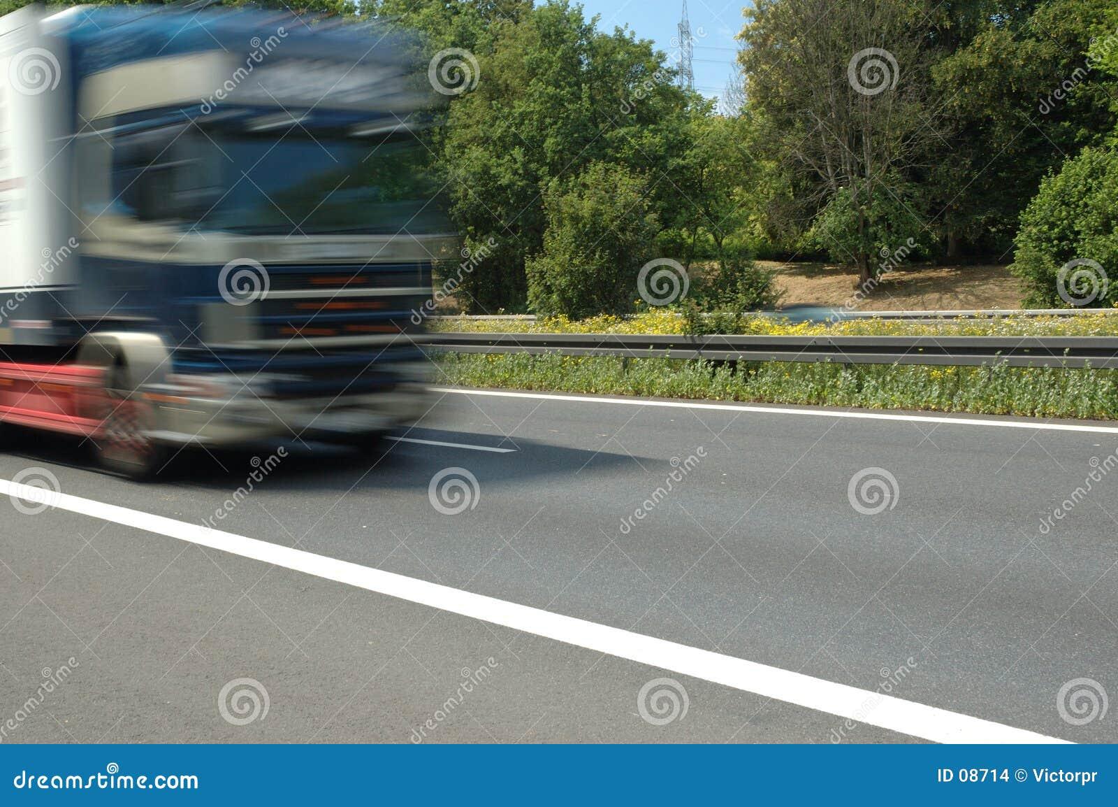 LKW auf der Straße
