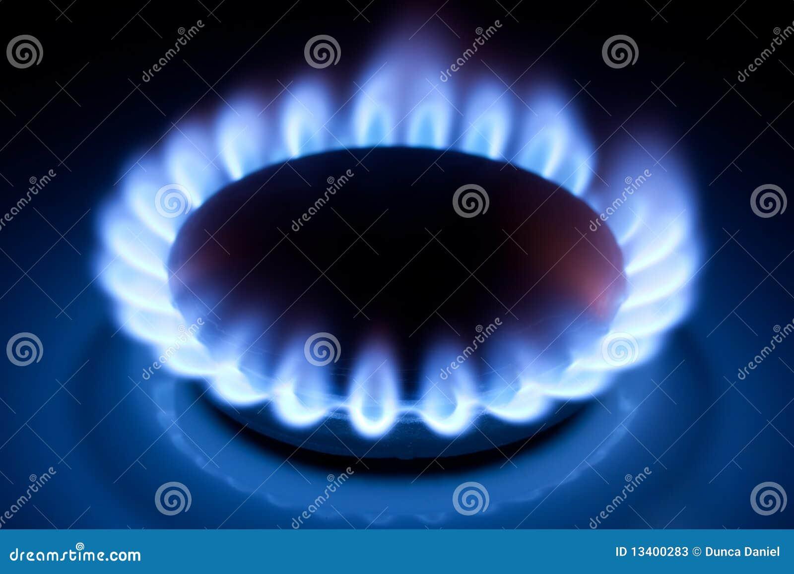 llamas del metano en la cocina de la cocina fotos de