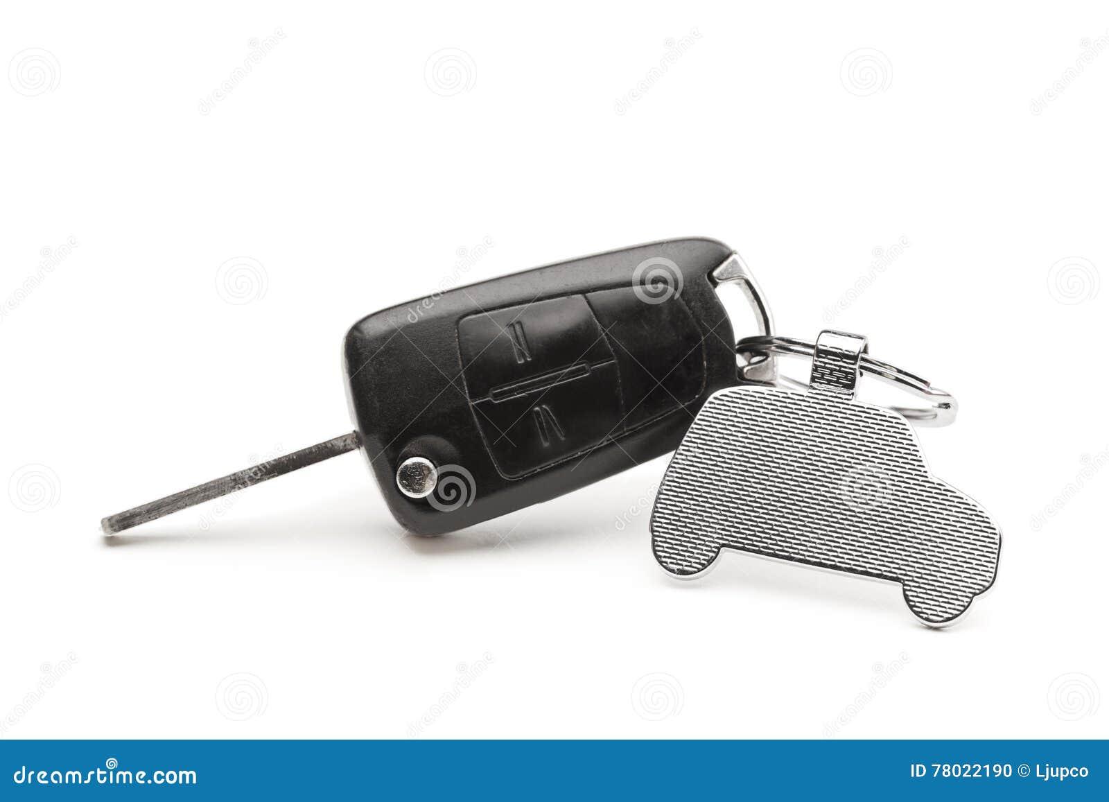 Llave del coche con un llavero bajo la forma de coche