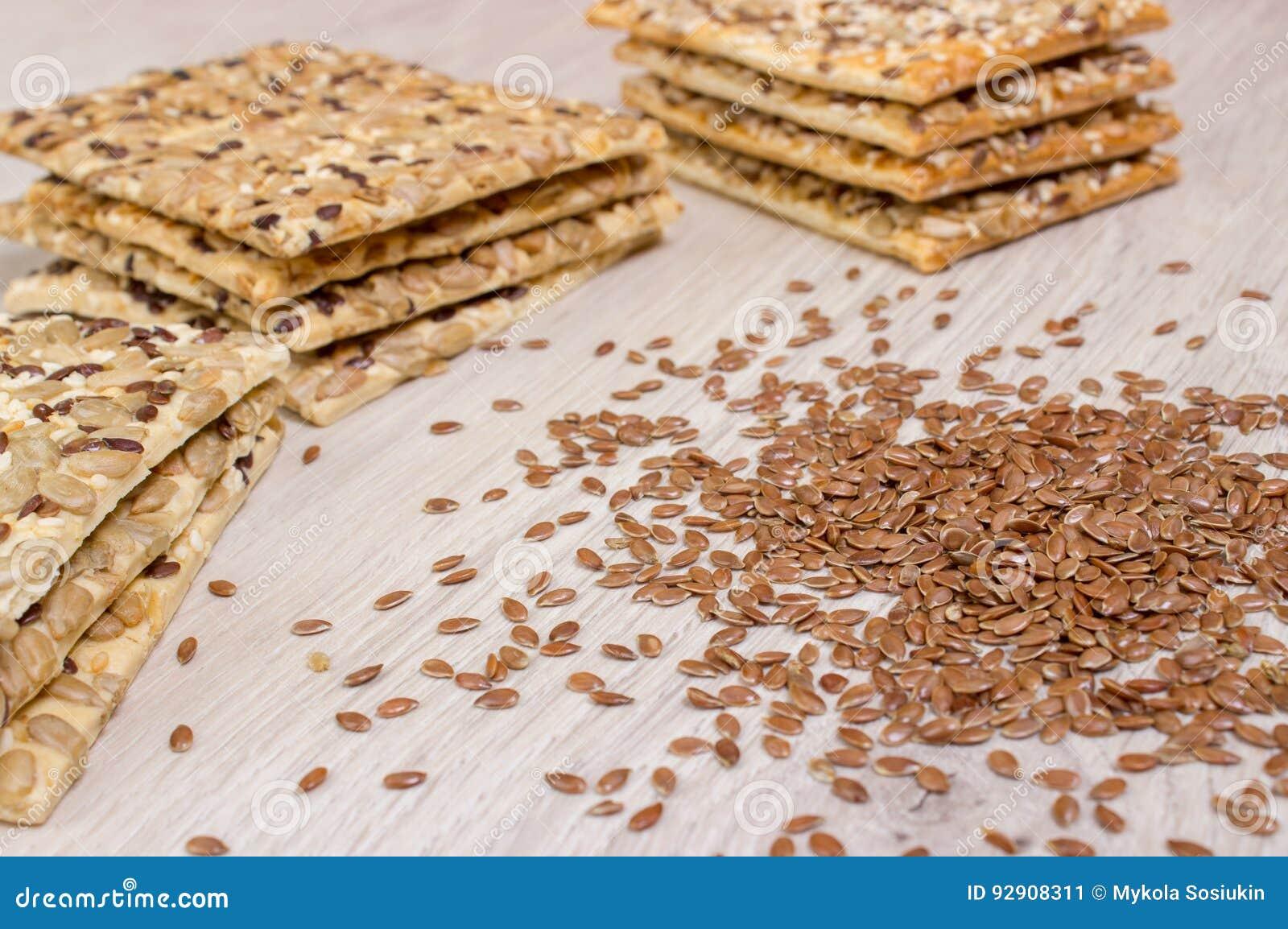Lna ciastko Zdrowe przekąski, flaxseed dyniowi ziarna, kolendery, słonecznikowi ziarna Solone diety są crispy krakers