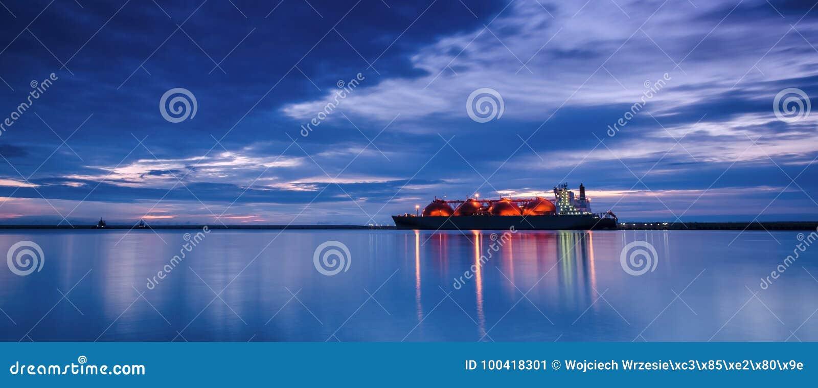 LNG tankowiec