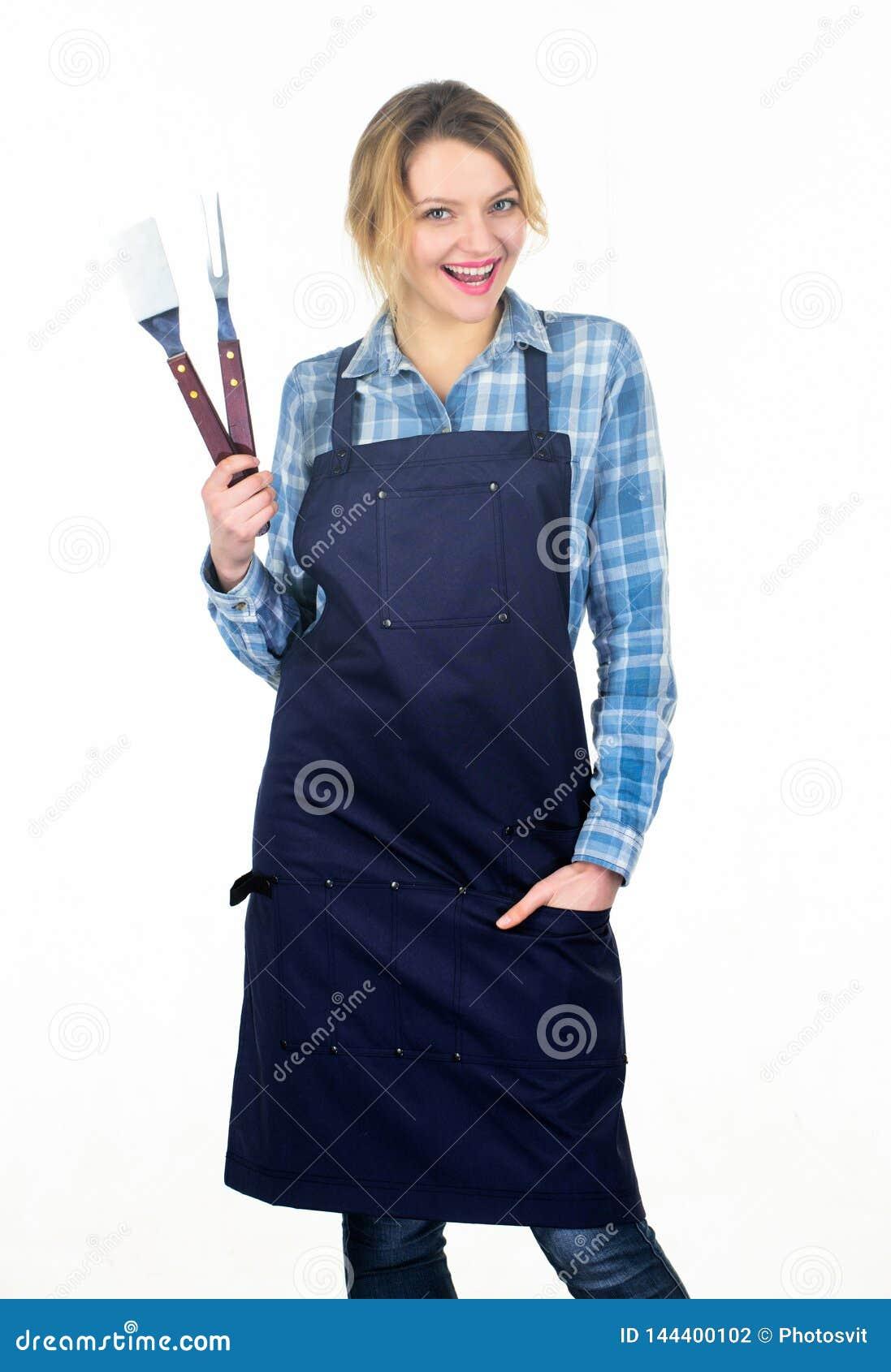 Lo hice Barbacoa de la comida campestre comida que cocina receta Muchacha bonita en delantal del cocinero Preparación y culinario