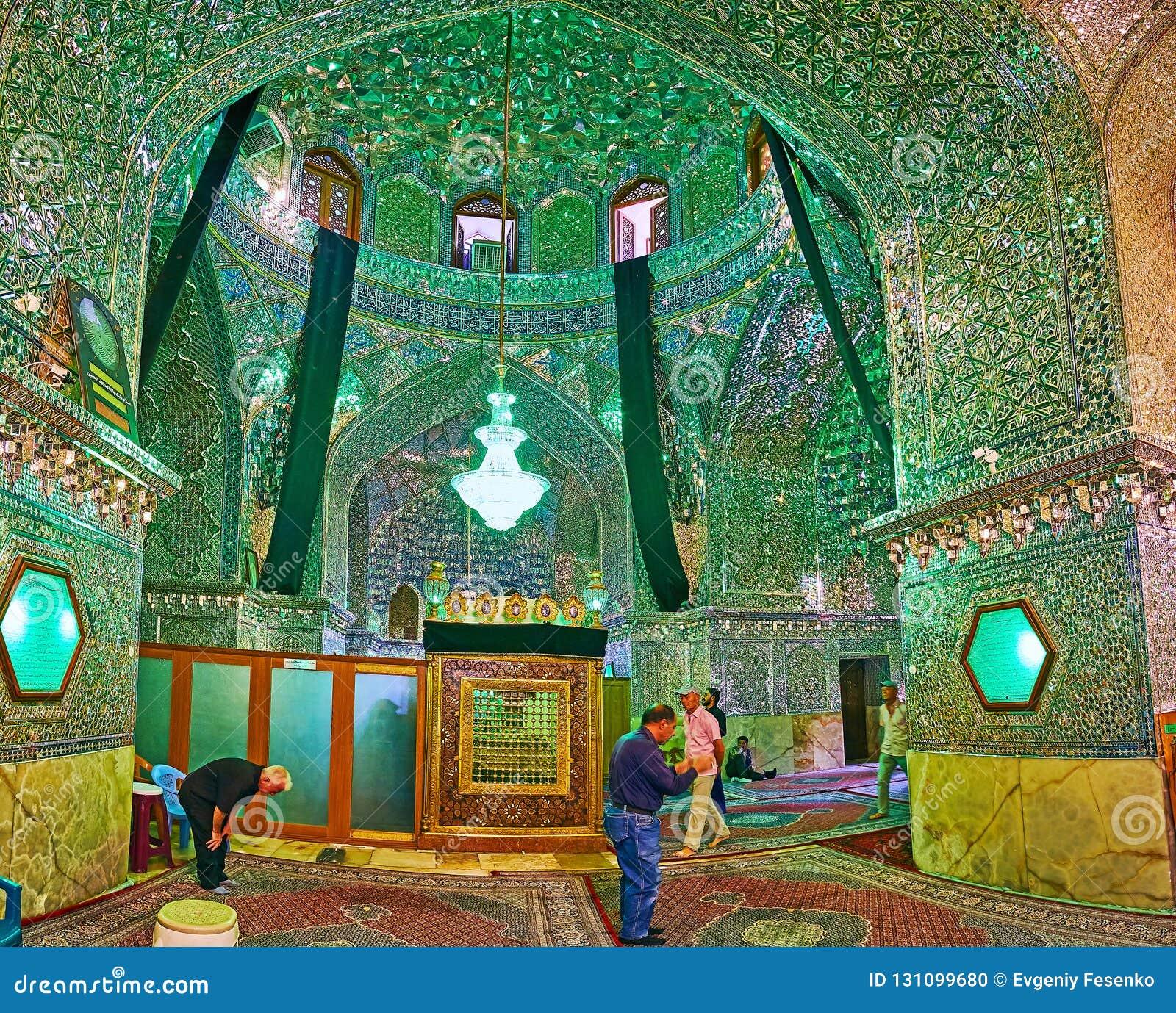Lo specchio Corridoio di Imamzadeh Ali Ibn Hamzeh Holy Shrine, Shiraz,