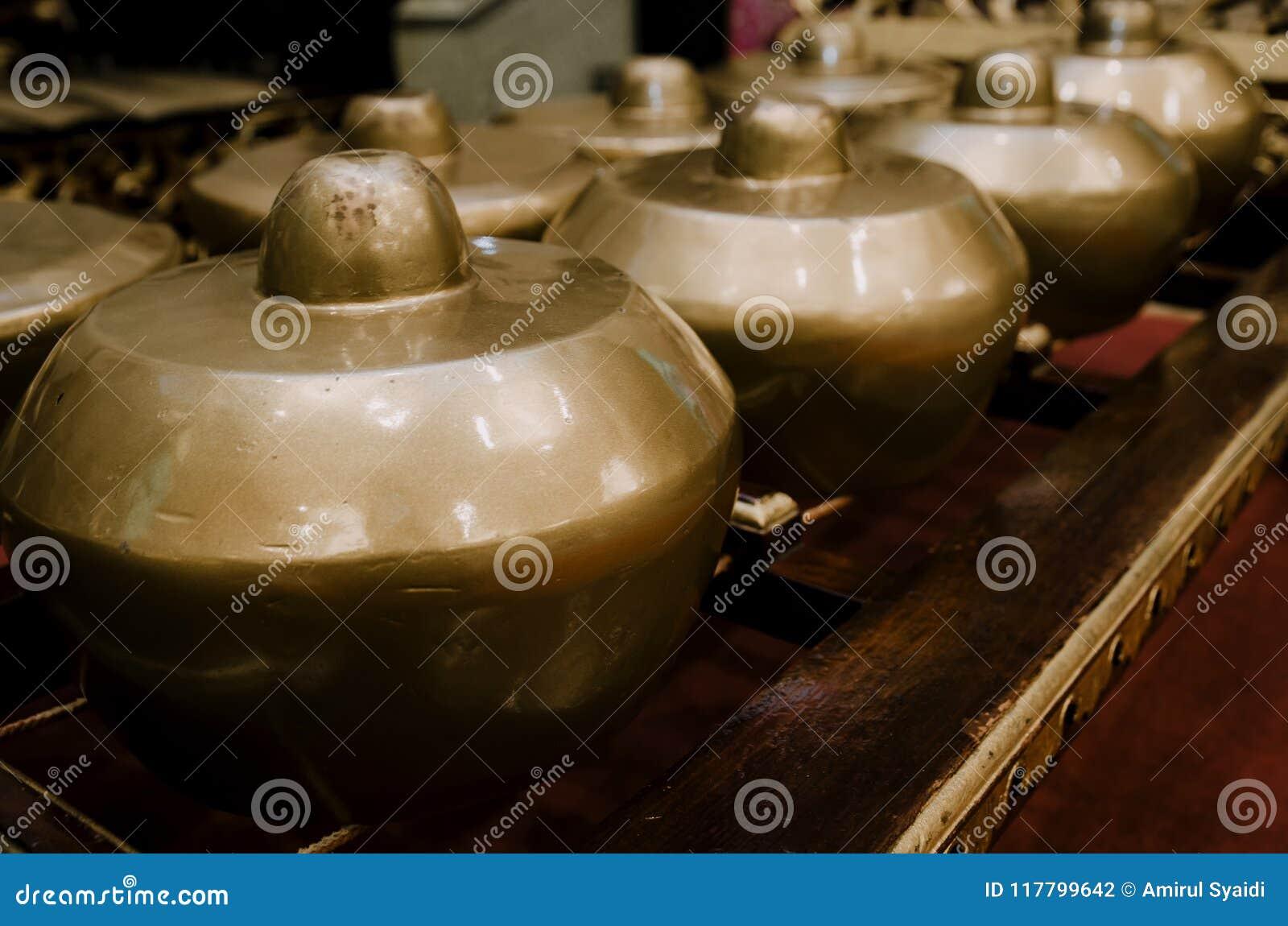 Lo strumento di musica tradizionale malese ha chiamato Gamelan con il beaut