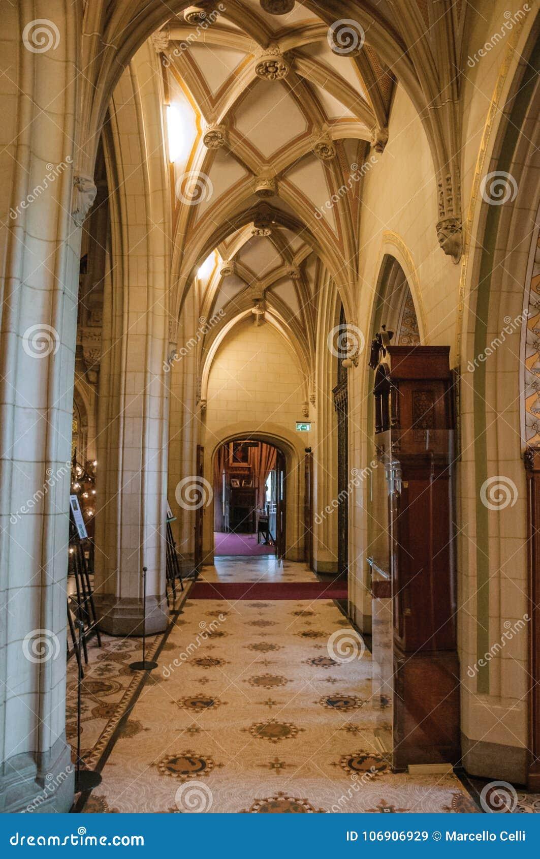 Lobby i sufit w De Haar Roszujący korytarzu blisko Utrecht,
