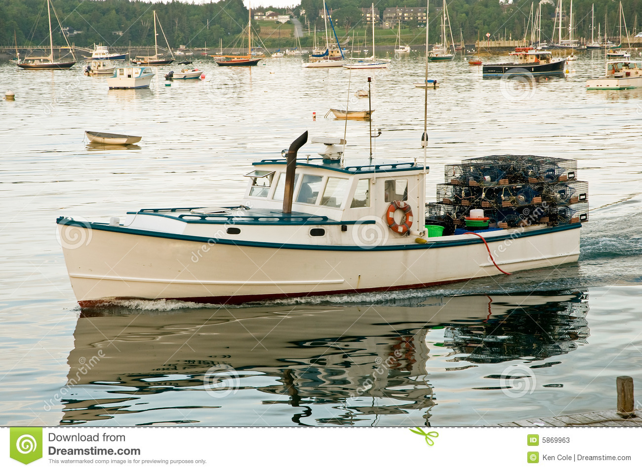 Lobster boat leaving harbor stock photos image 5869963 for Who sells fishing license near me