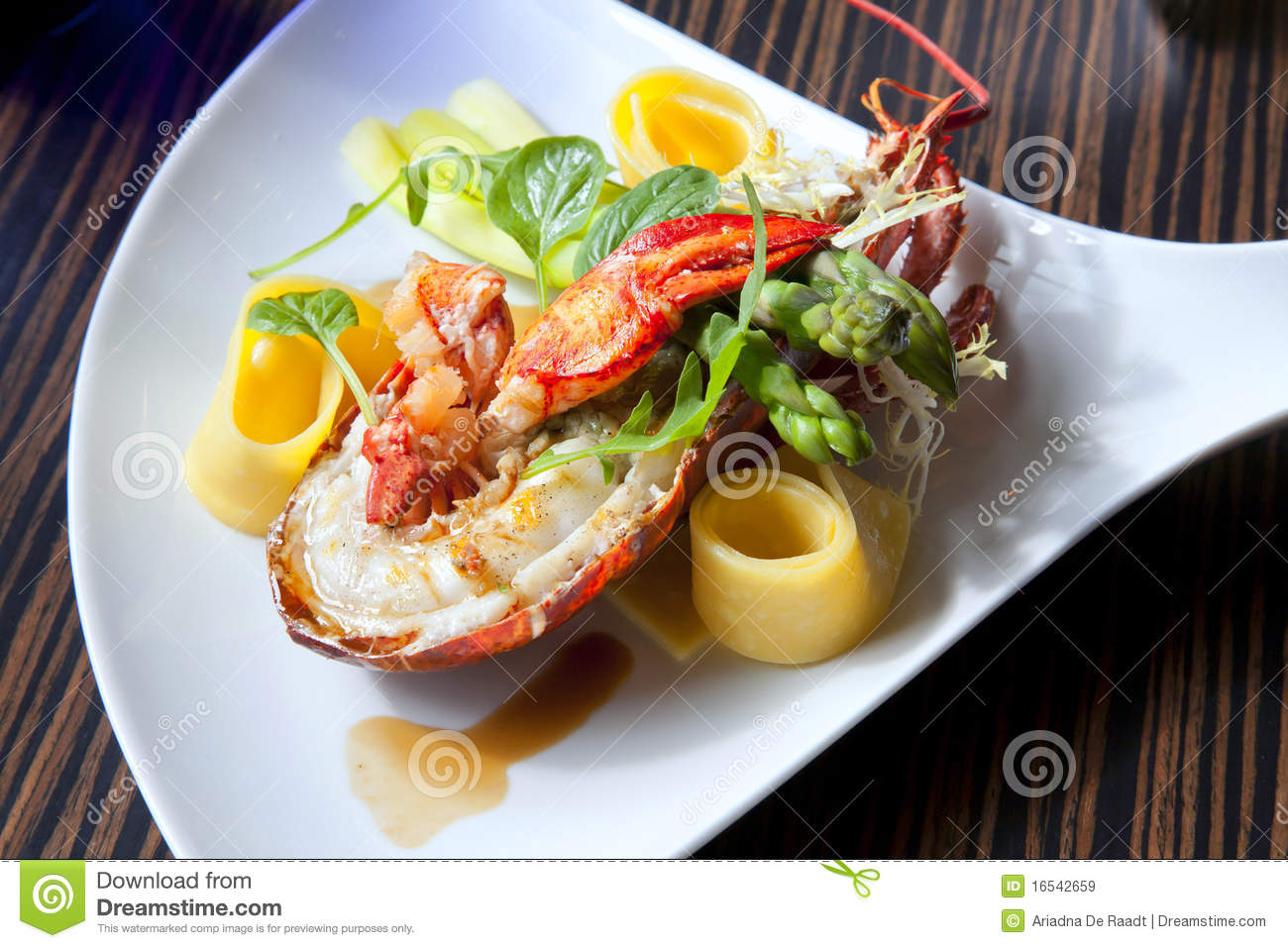 Lobster Plate Royalty Free Stock Images - Image: 16542659