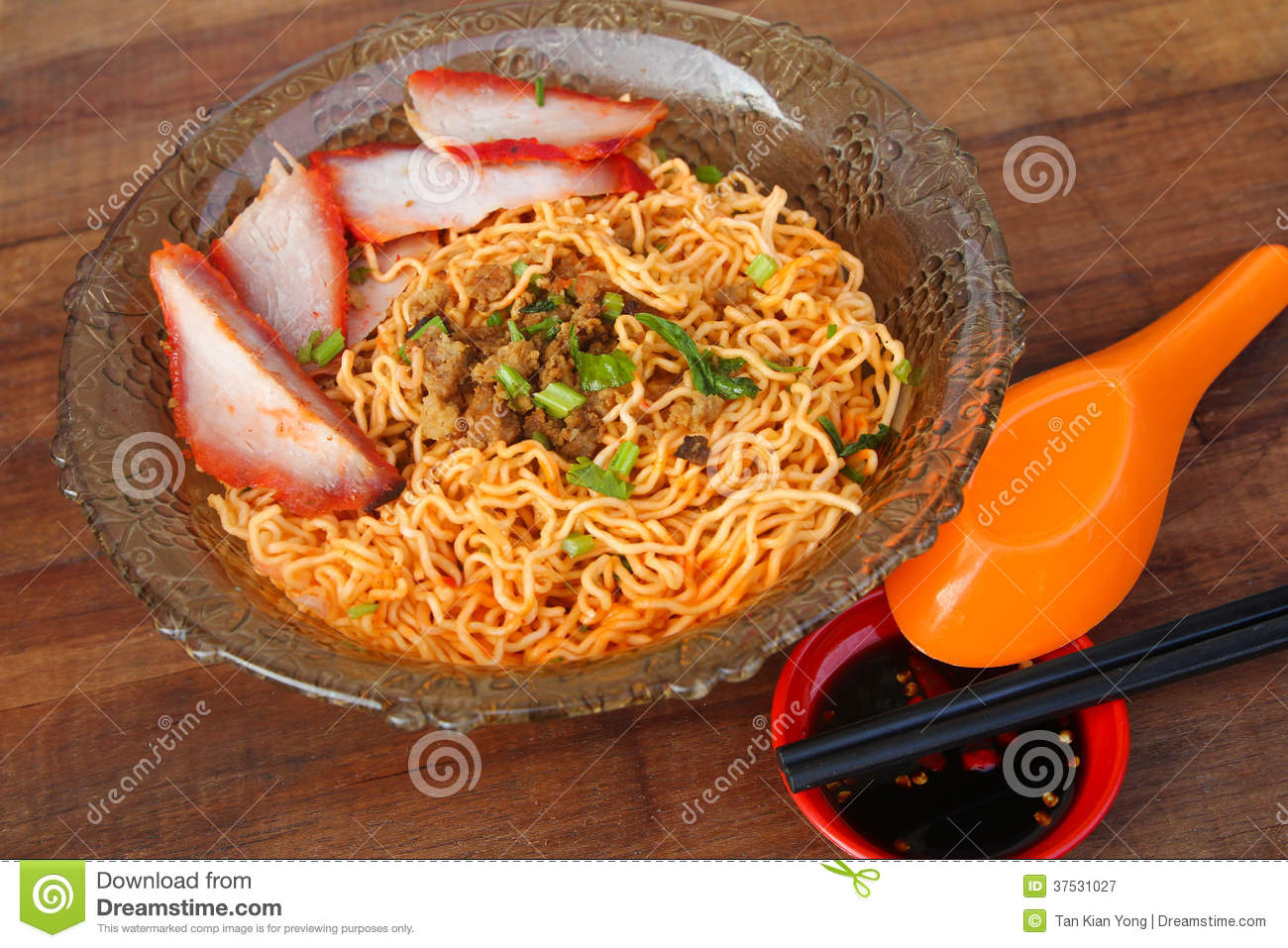 Local cuisine kolo mee in kuching sarawak malaysia for Cuisine en locale
