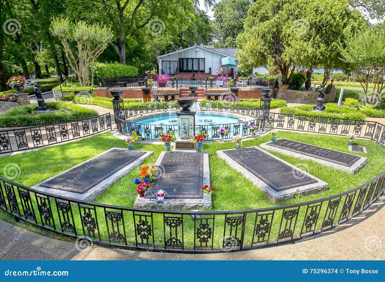 Local de enterro de Elvis Presley e de Graceland dos pais