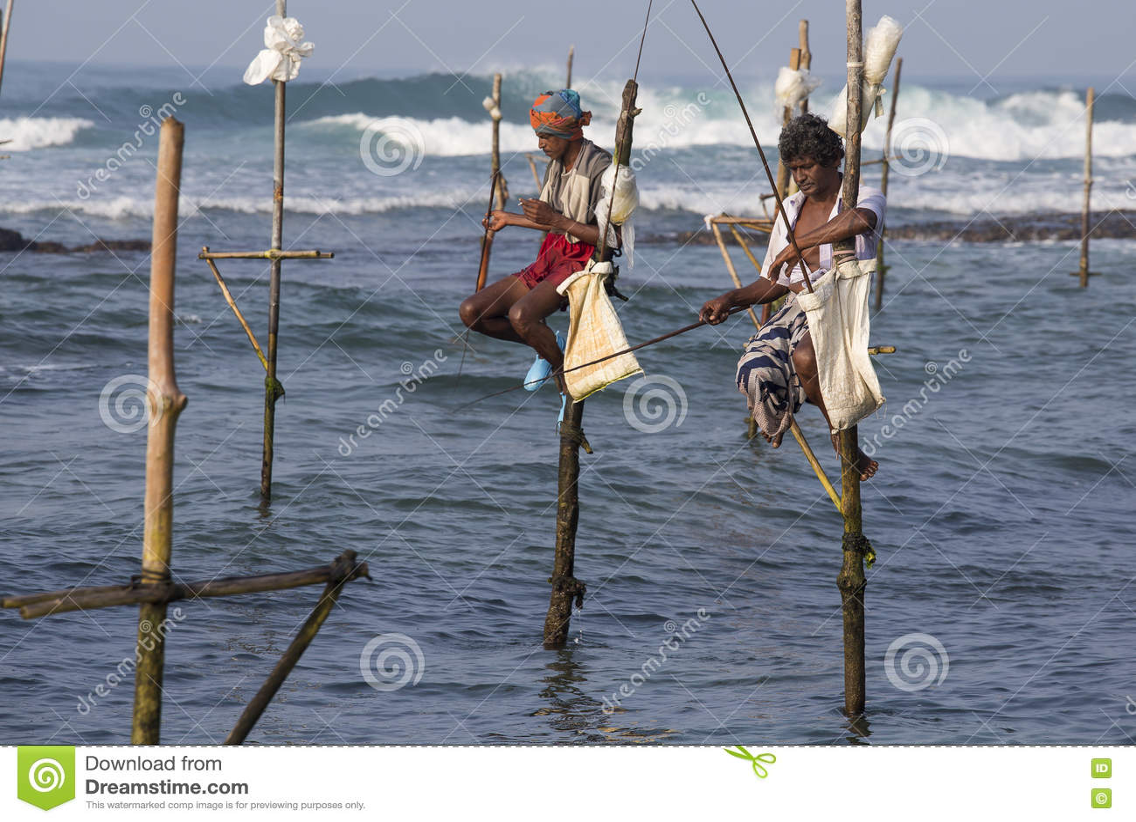 Local fishermen are fishing in sea water sri lanka for Sri lanka fishing