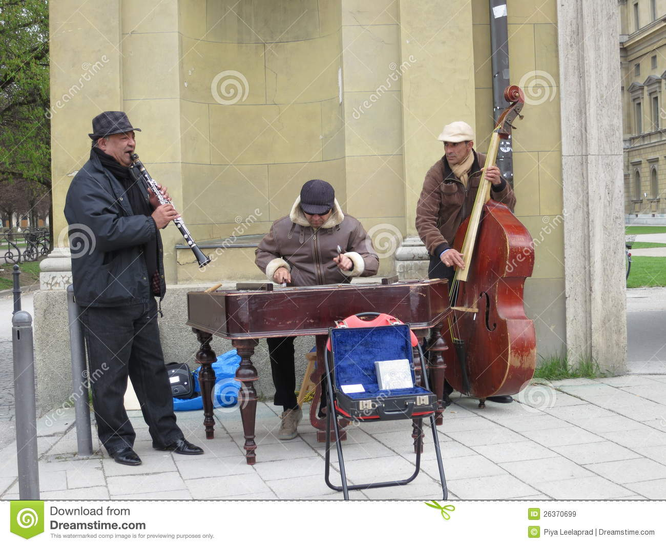 Local Street Musicians in Munich