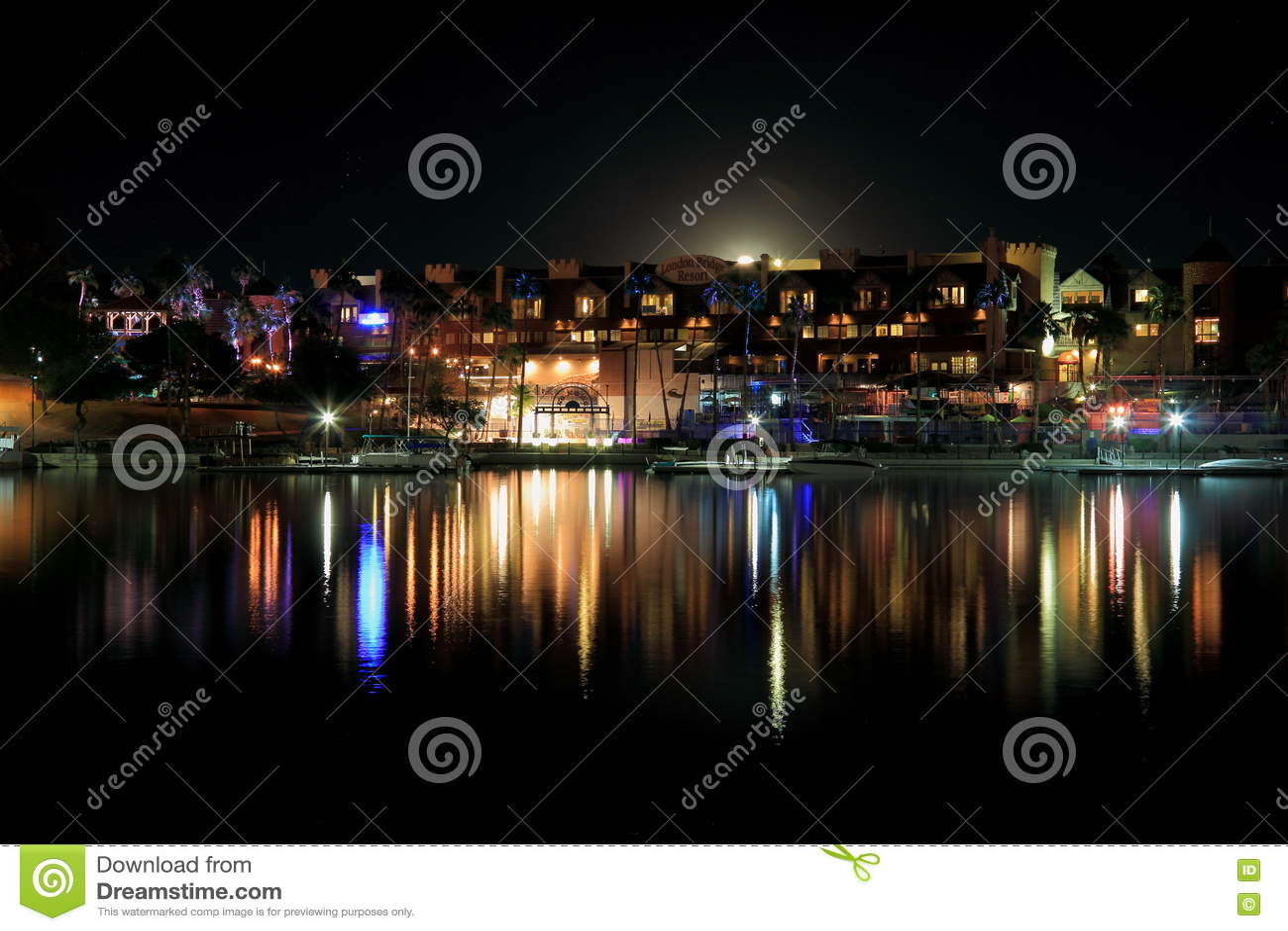 Località Di Soggiorno Del Ponte Di Londra Alla Notte Fotografia ...