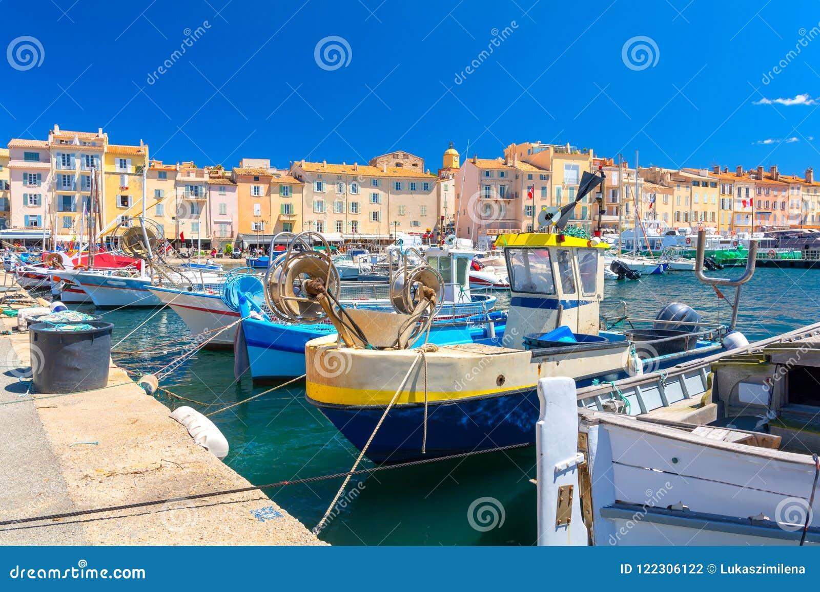 Località Di Soggiorno Famosa Saint Tropez Del Porto Variopinto Su ...