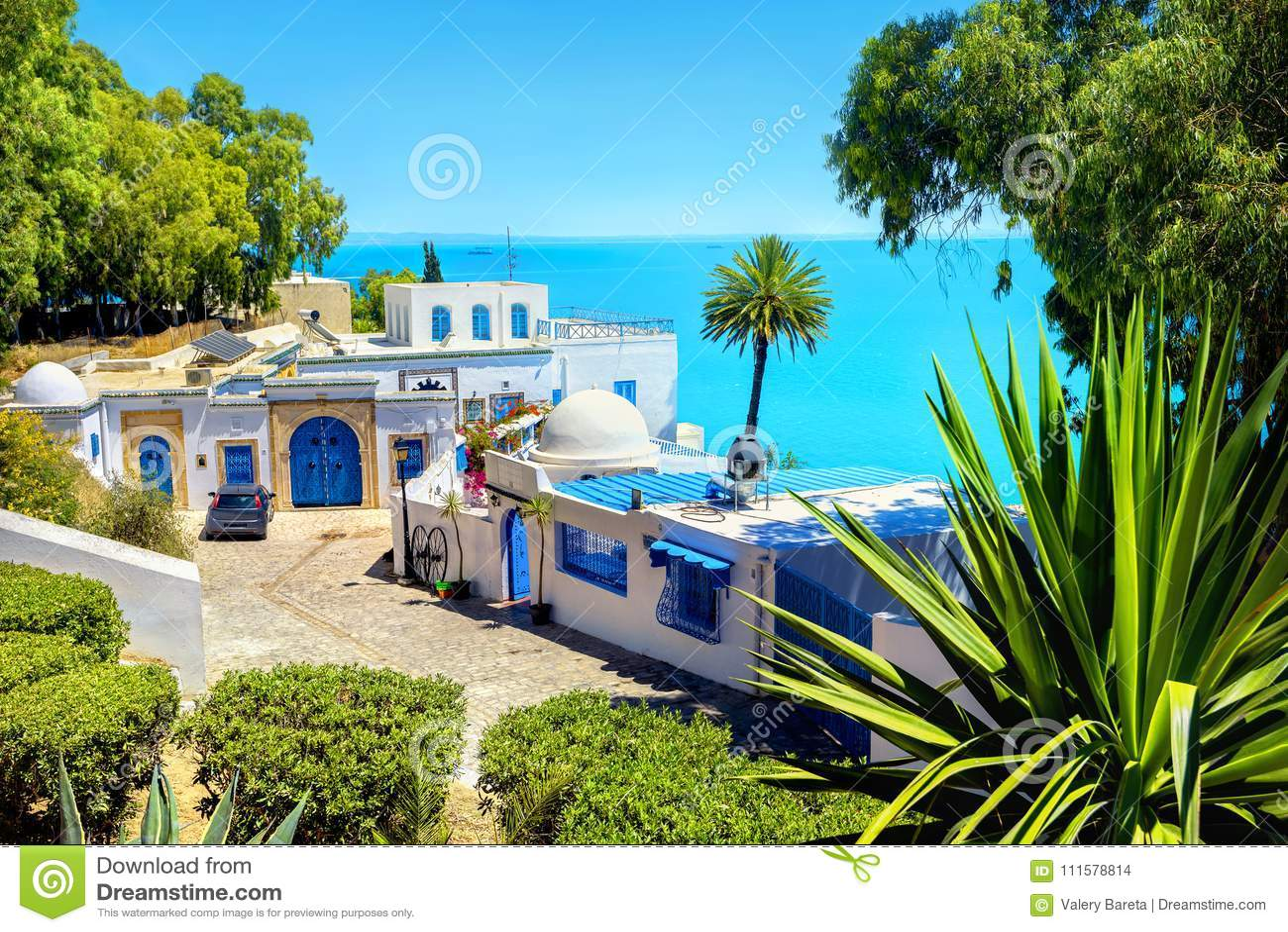 Localita Di Soggiorno Di Lusso Della Spiaggia In Sidi Bou Said La Tunisia Nord Africa Fotografia Stock Immagine Di Arabo Giorno 111578814