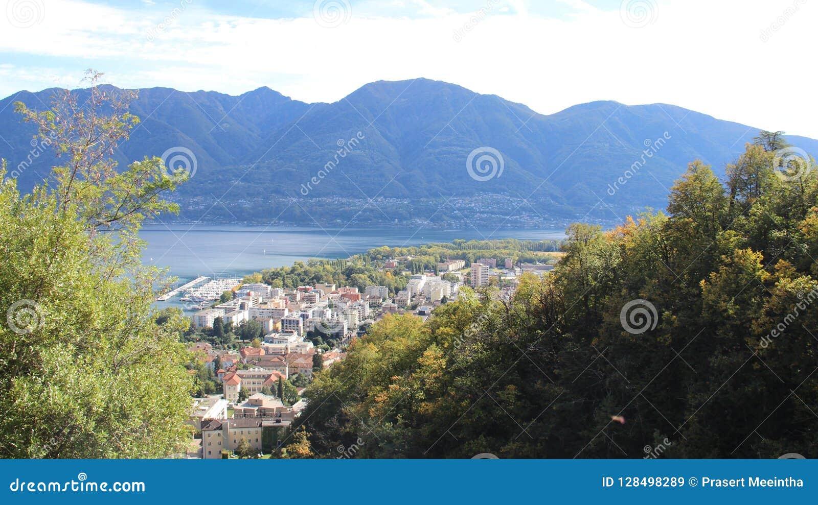Locarno See-und Stadt-Ansicht