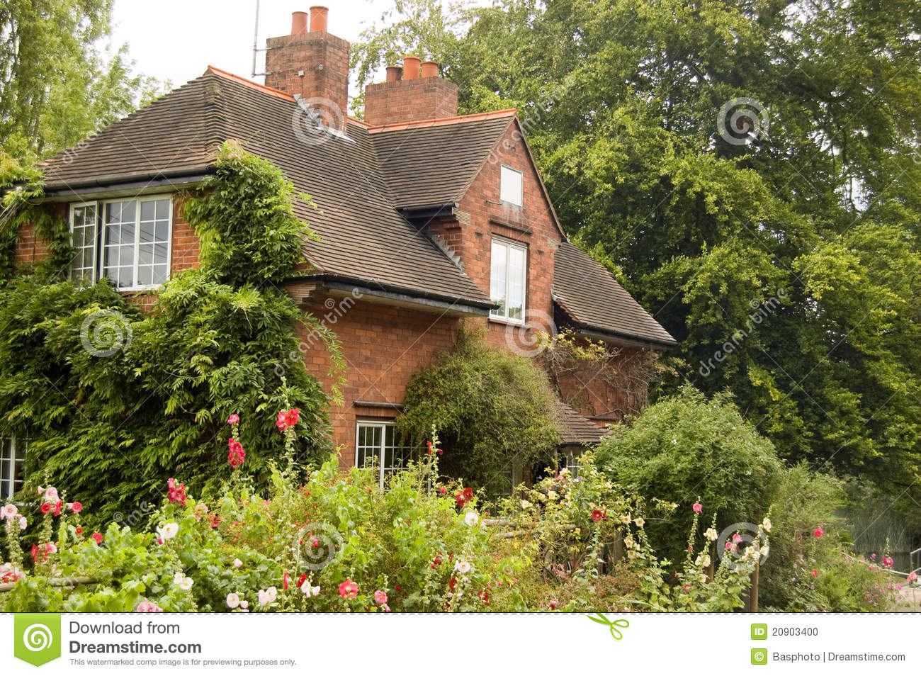 Lock keeper 39 s cottage sonning berkshire stock photo for Berkshire house