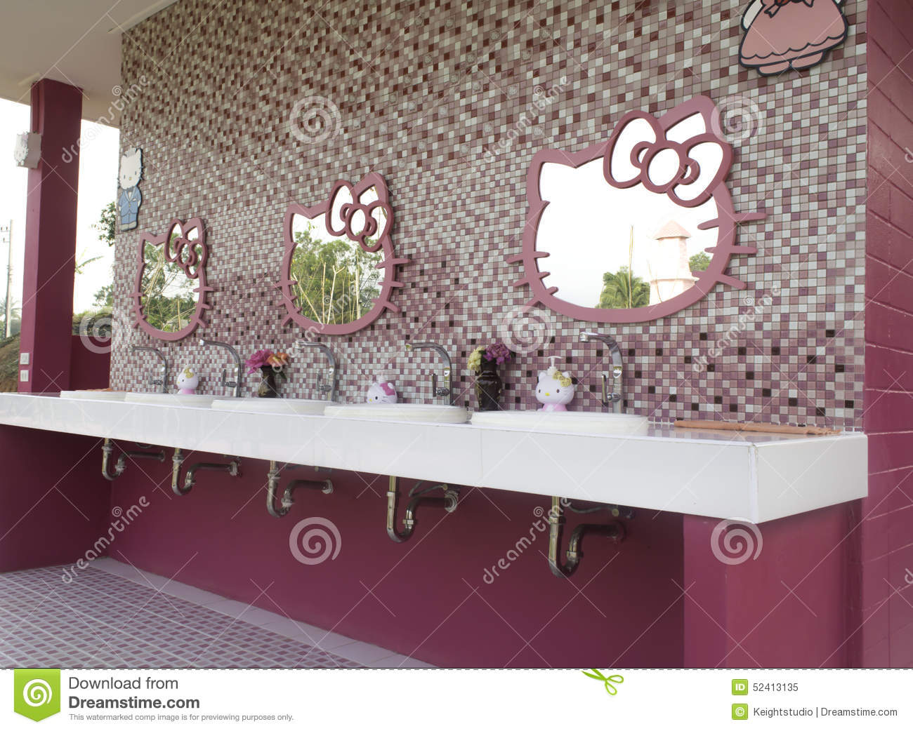 Popular Wallpaper Hello Kitty Shelf - loei-thailand-march-resort-hello-kitty-th-theme-check-area-toilet-paper-52413135  You Should Have_676582.jpg