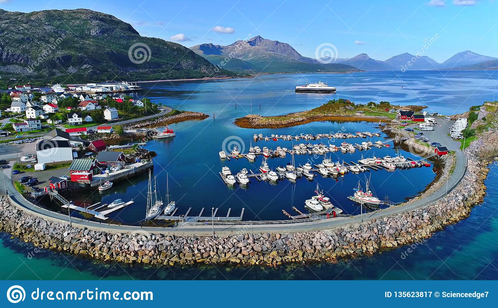 Lofoten海岛是一个群岛在诺尔兰,挪威县