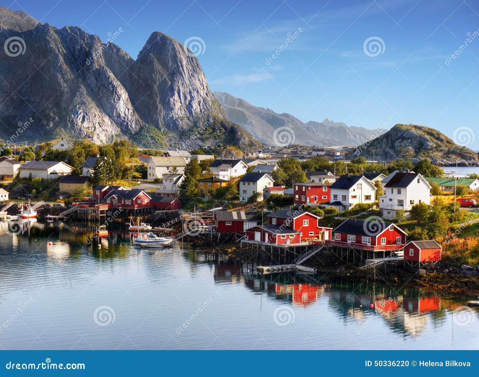Lofoten famoso, paesaggio della Norvegia, Nordland