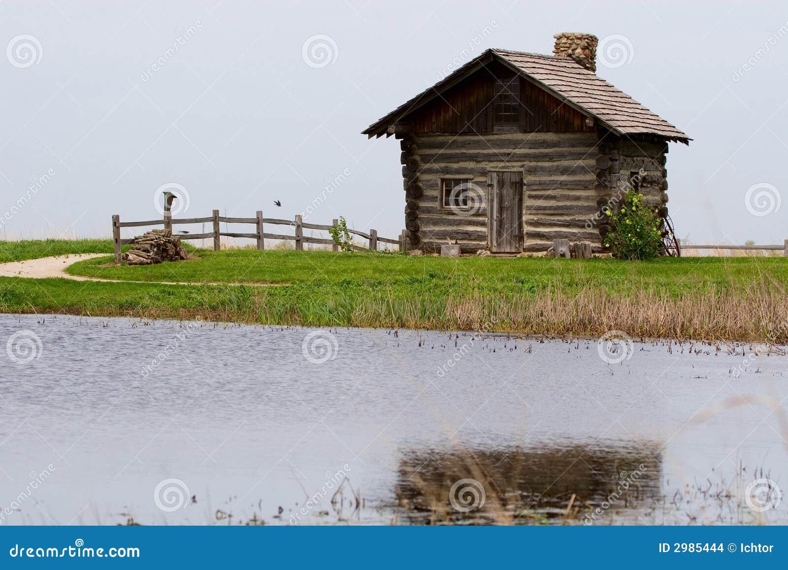 Log Cabin On Lake Stock Images Image 2985444
