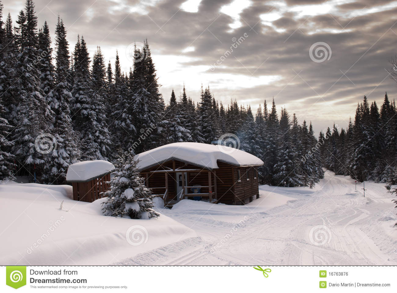 Log Cabin In Quebec Royalty Free Stock Image Image 16763876