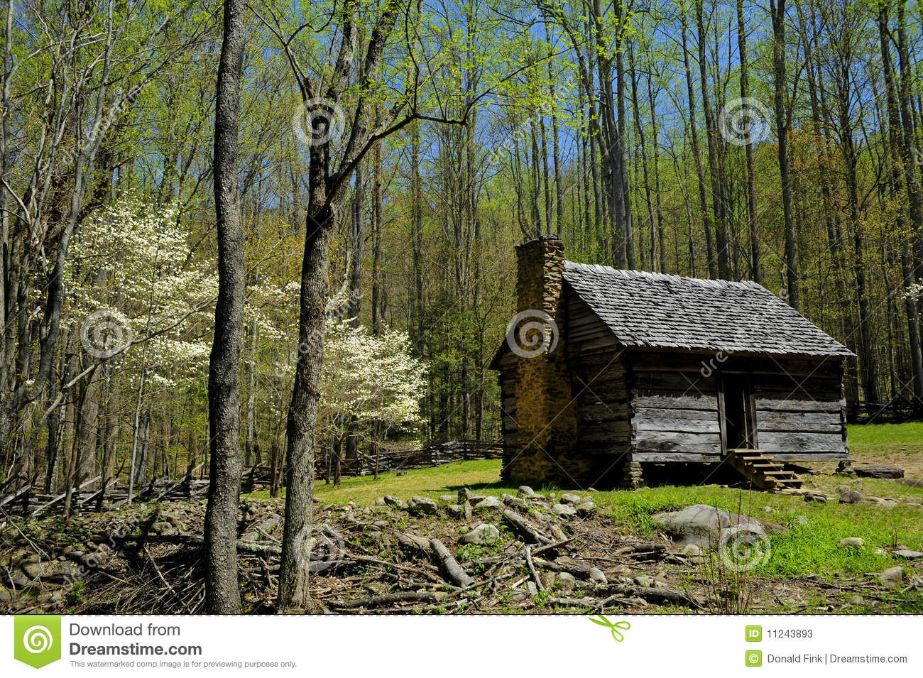 Log cabin in the smokey mountain national park stock image