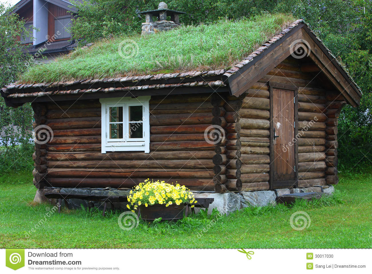 Log Cabin Stock Photo Image 30017030