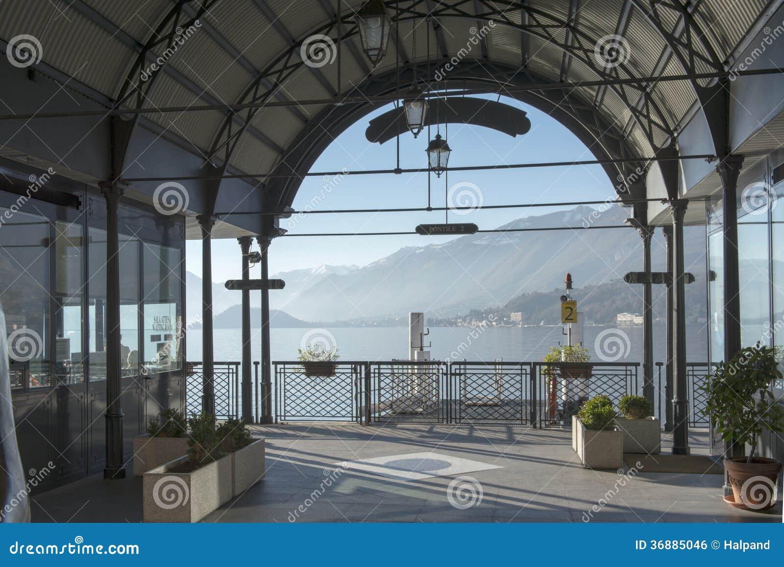 Download Loggia Della Stazione Del Traghetto, Bellagio Fotografia Stock - Immagine di turismo, como: 36885046