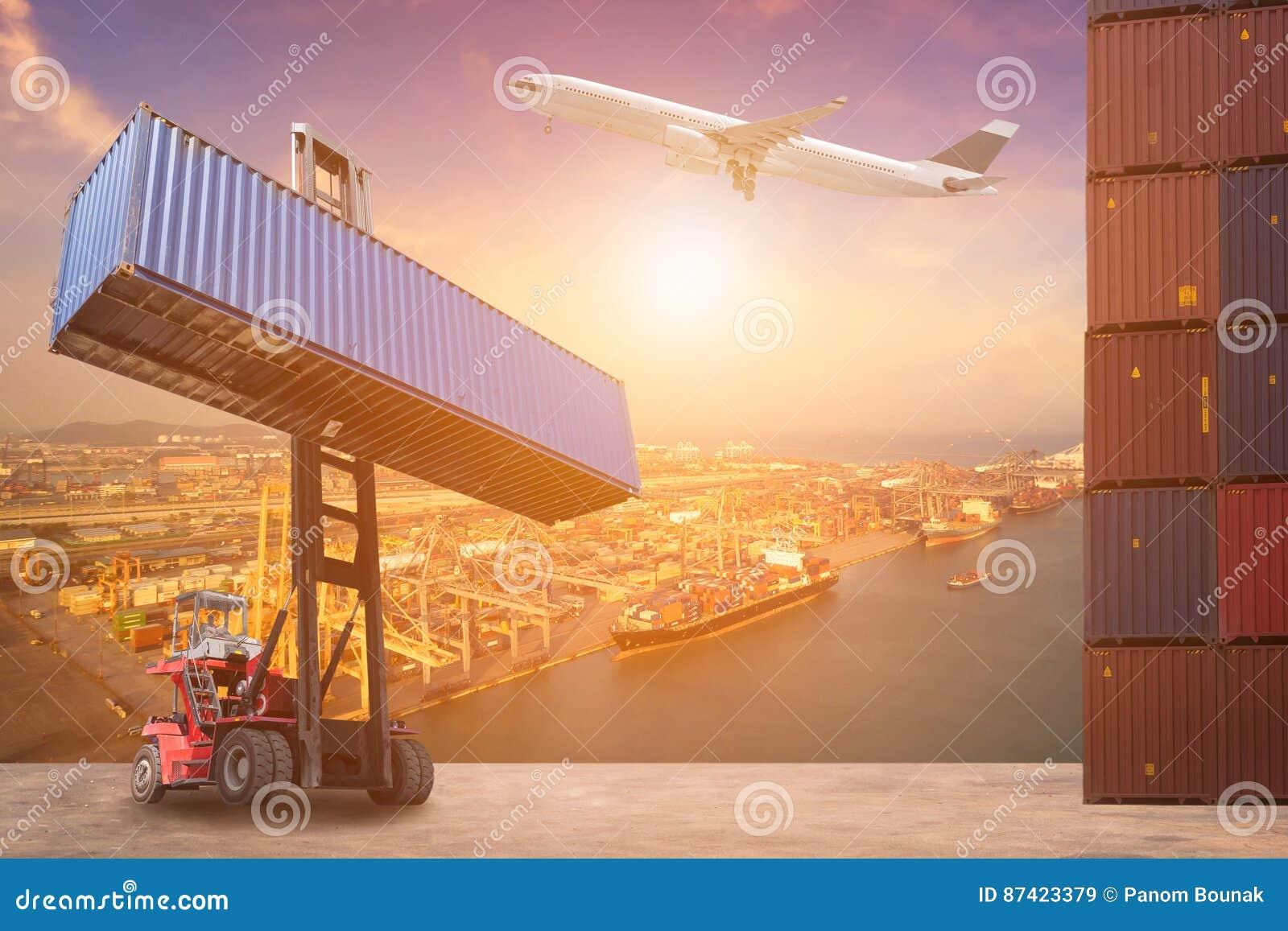 Logistikbegrepp för bransch för behållare för global affär som logistisk, import- och exportsänder,